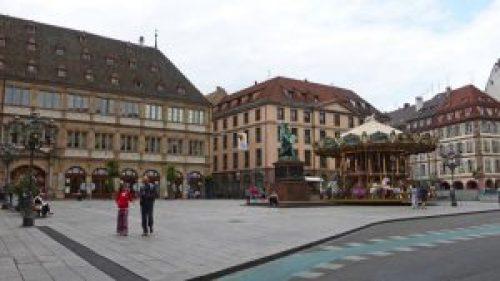 Plaza Gutenberg, una de las más concurridas de Estrasburgo