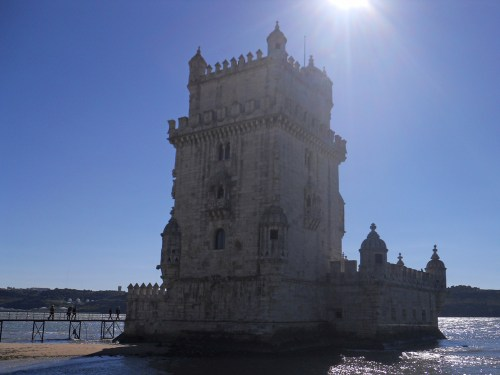 Torre de Belém junto al río Tajo