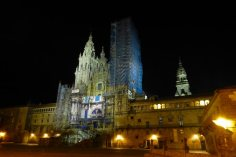 Vista nocturna de la Catedral de Santiago de Compostela