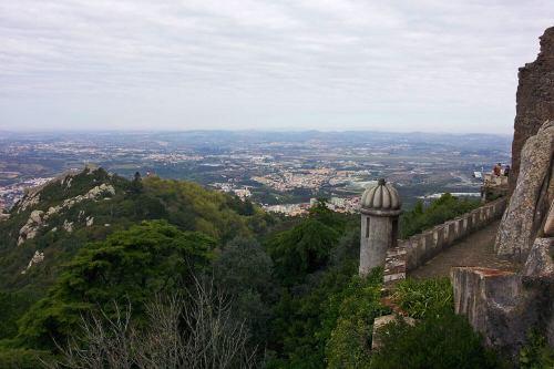Vistas panorámicas de Sintra desde el Palacio Nacional da Pena