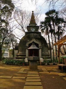 Templo junto al Gran Buda de Ueno