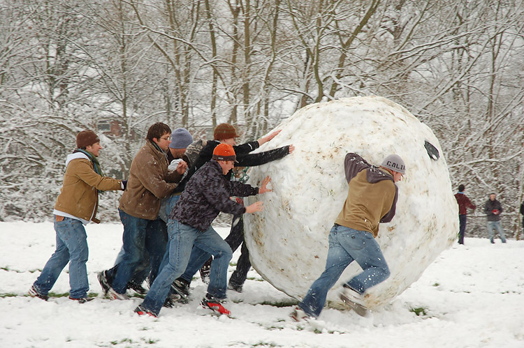 Giant Snowball, Building Momentum.