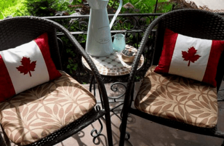 Happy Canada Day Pillows | Freebie
