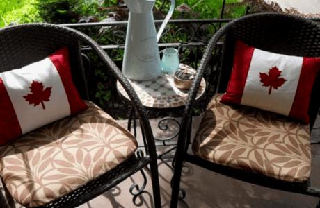 Happy Canada Day Pillows | Freebie