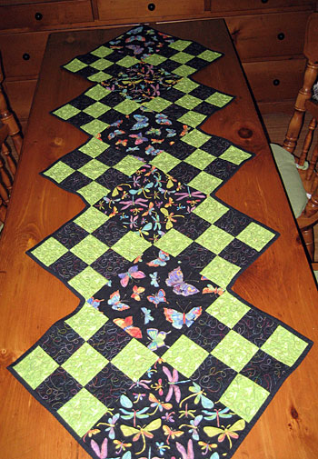 fluttering-wings-table-runner