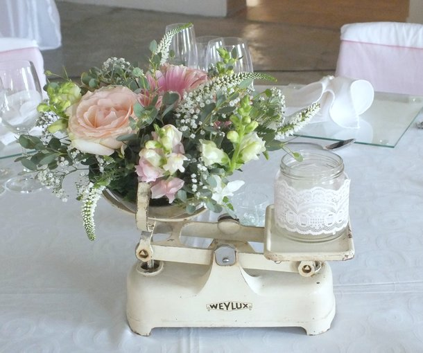 Centrepiece flowers in vintage scale