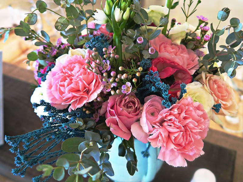 Flower centrepiece - Quirky Parties