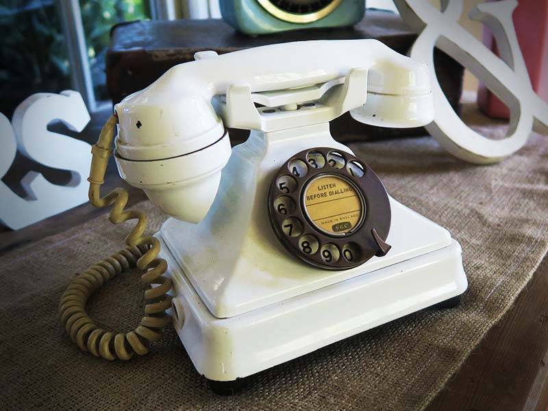 Vintage decor telephone - Quirky Parties