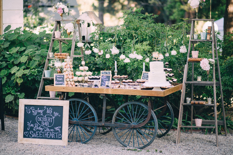 Cake and dessert wagon - Quirky Parties