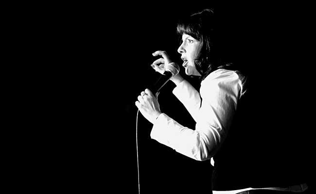 Allyson Smith - Performing at Calgary YukYuk's on 2009-06-25 - Photo by David Gluzman