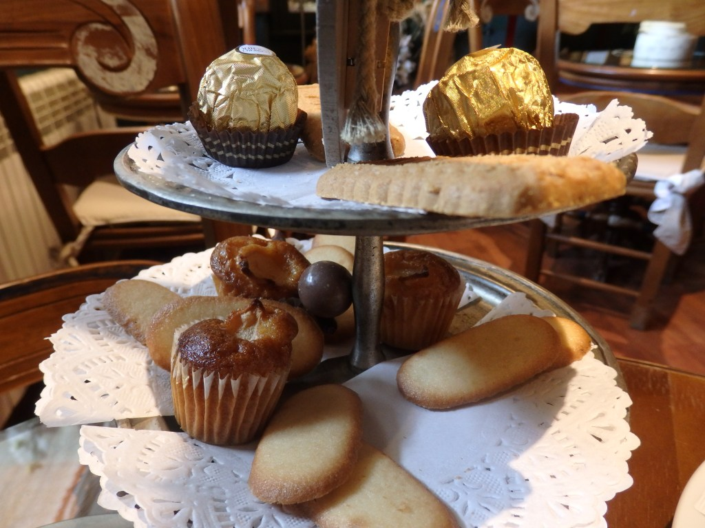 my tray of sweets at Hotel El Ciervo after I had already eaten a couple