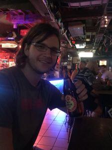 das erste Bier im neuen Land (Red Horse mit strammen 6,9% - schmeckt super, aber auf den Kater haette ich verzichten koennen...)