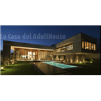 La Casa del Adulthouse