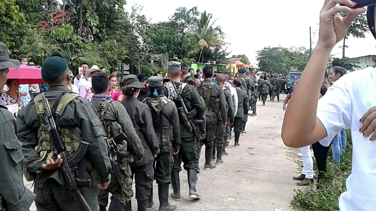Paso de la guerrilla por Uribe, camino a ZVTN de Buenavista, Mesetas (Meta). Fotos: Esthefanny Y. (ILSA).