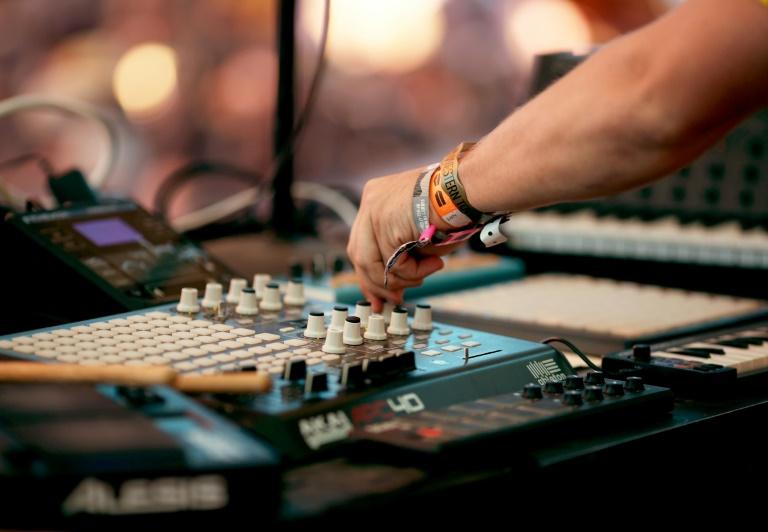 Un DJ pincha en el festival de Coachella, en California, el 20 de abril de 2017 Getty/AFP/Archivos / Christopher Polk