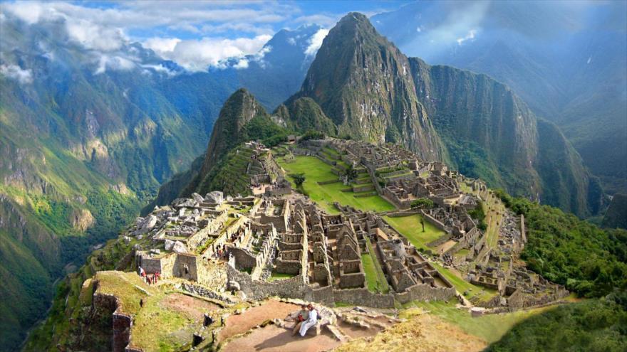 Machu Picchu, la antigua ciudadela inca es considerada al mismo tiempo una obra maestra de la arquitectura y la ingeniería.