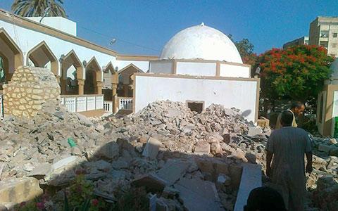 sufi-tomb-destruction-02
