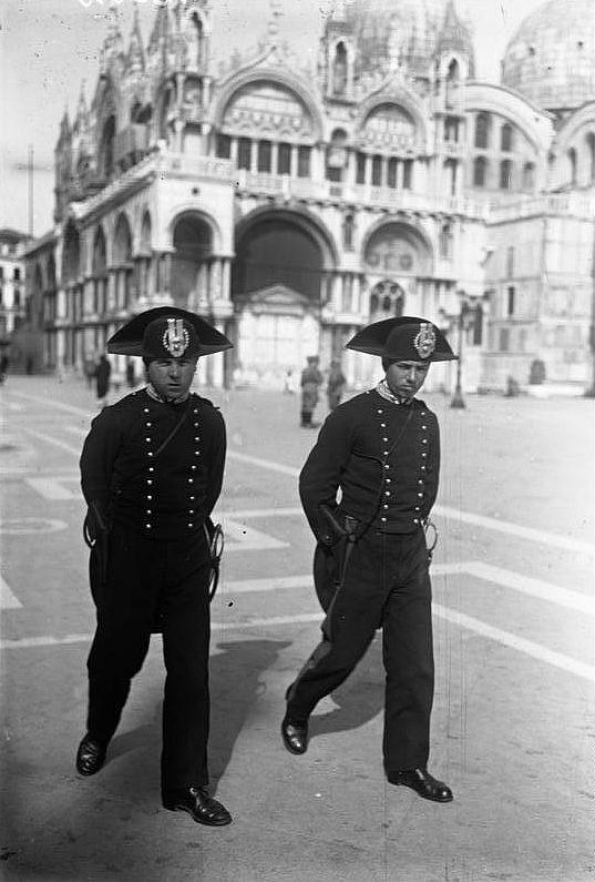 Venedig, Carabinieri
