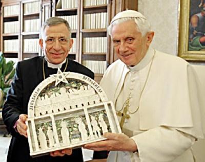 J. Ratzinger: senza sedia non c'è dichiarazione ex cathedra. Nessuno deve convertirsi alla Chiesa