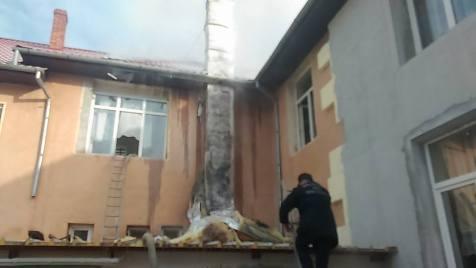 incendiu-scoala-sambateni-2