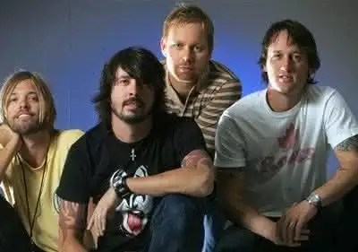 foo-fighters-large