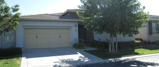 1048 Diamante St in Trilogy at Rio Vista 2bds/2bths 1767sf