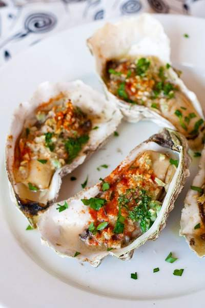 Grilled Oysters | Easy Delicious Recipes