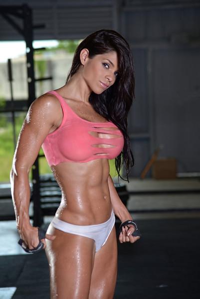 筋肉女353