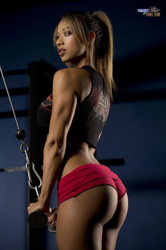 筋肉女262