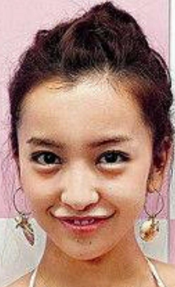 板野友美15