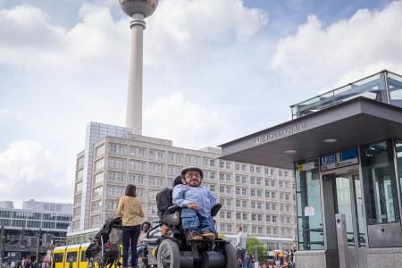 """GEO Saison: """"Mit dem Rollstuhl um die Welt"""""""