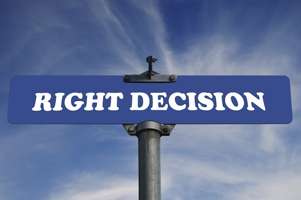 Right decison road sign