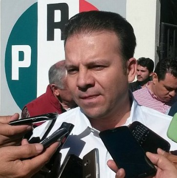 """Esteban Villegas Villarreal, """"El Médico Especialista C"""" que jamás ha ejercido su profesión, violando leyes electorales y utilizando recursos públicos ya actúa como virtual gobernador."""