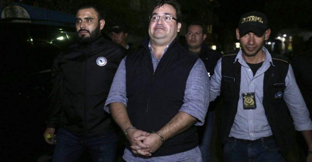 Javier Duarte de Ochoa, ya está preso en Guatemala, y los veracruzanos exigen que se le aplique la ley en nuestro país.