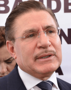 El gobernador de Durango, José Rosas Aispuro Torres, a pesar de sus declaraciones demagógicas y triunfalistas, el balance de su primer año de gobierno es negativo.