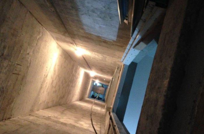 Homem cai em vão de elevador de 12 metros de altura em Jaraguá do Sul