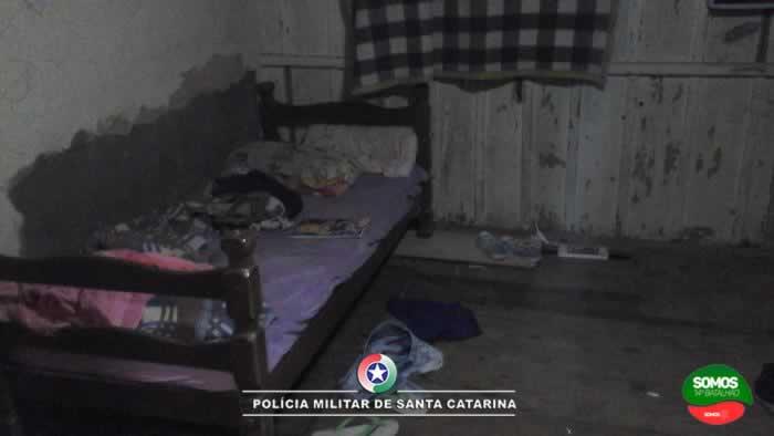 Criança denuncia maus-tratos e madrasta bêbaba é presa em Jaraguá do Sul