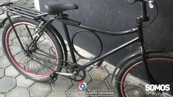 Jovem anuncia venda de bike furtada em rede social e acaba preso em Jaraguá