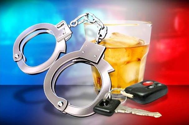 PM encontra latinhas de cerveja em veículo e condutor embriagado é preso no Jaraguá 99