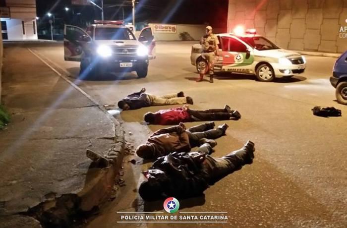Quatro assaltantes são presos em ação rápida da Polícia Militar de Barra Velha e São João do Itaperiú