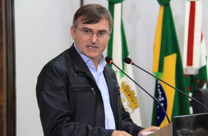 Câmara discute reposição de aulas, imposto para cemitério e conservação de parques em Jaraguá