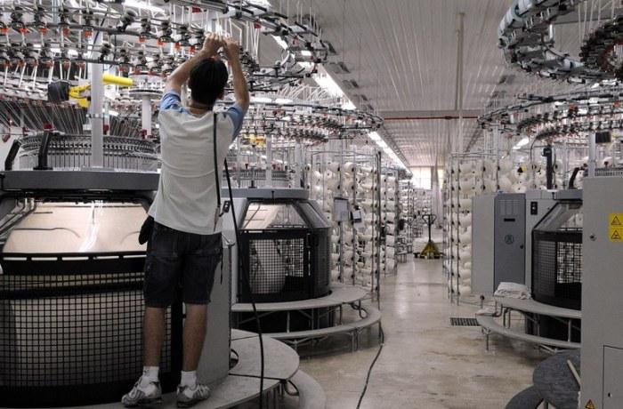 Emprego na indústria mostra recuperação, diz IBGE