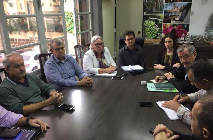 AMVALI visita Corupá para discutir sobre captação de recursos