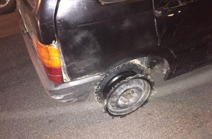 Sem um pneu, motorista foge da polícia a 140 km/h pela BR-101