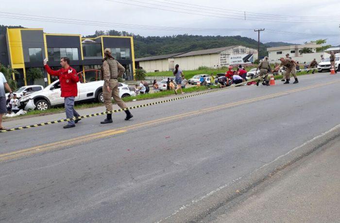 A rodovia ficou interditada por conta do acidente l Foto: Divulgação/Redes Sociais