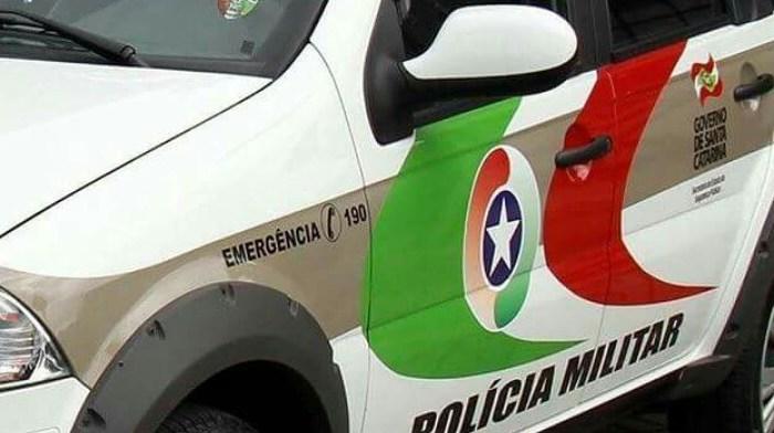 Criminosos arrombam casa e furtam carro em Jaraguá do Sul