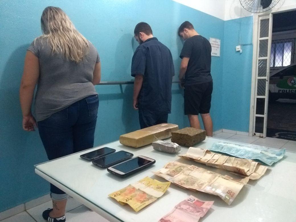 Dois homens e uma mulher foram presos por tráfico de drogas nesta sexta-feira(16) l Foto: 14 BPM