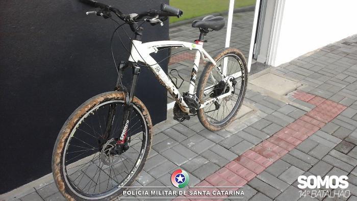 Bicicleta furtada foi recuperada pela Polícia Militar