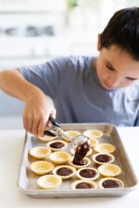 mini-chocolate-tarts-process-shot-cole