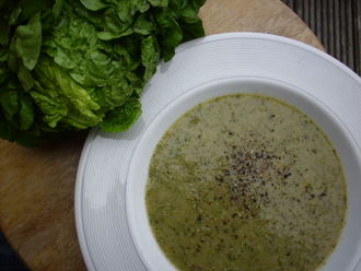 Quick lettuce soup (1/2)